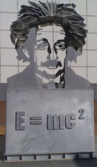 Statue of Einstein outside the Science Museum in Canberra