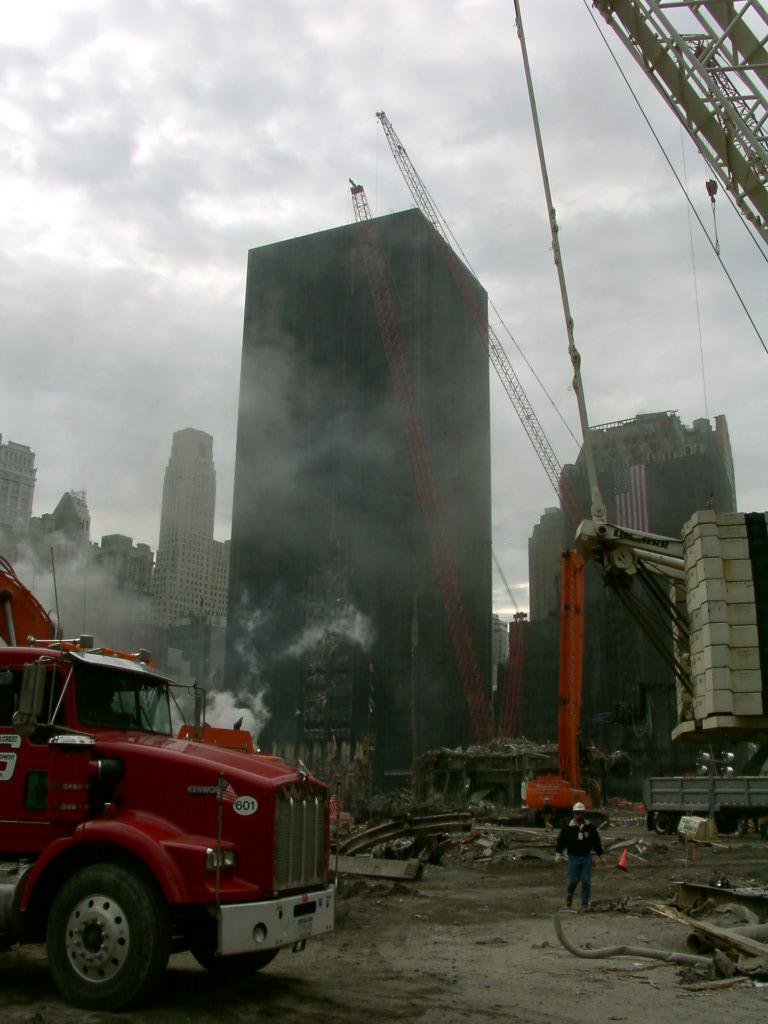 Photos of World Trade Center: Ground zero 31 October